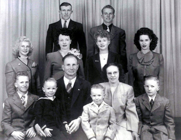 Andra Family Portrait, 1947; back (l-r): Bill, Golden; middle: Sergene, Millie, Colleen, June; front: Don, Larry, Bill, Dale, Mary, Ross.