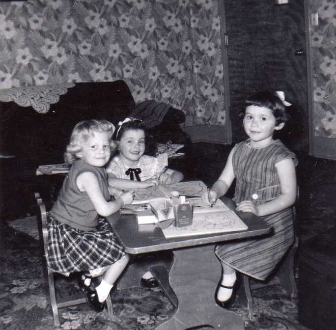 (l-r): Sandy Jonas, Lola Bruderer, and Jane Robinson in August 1958