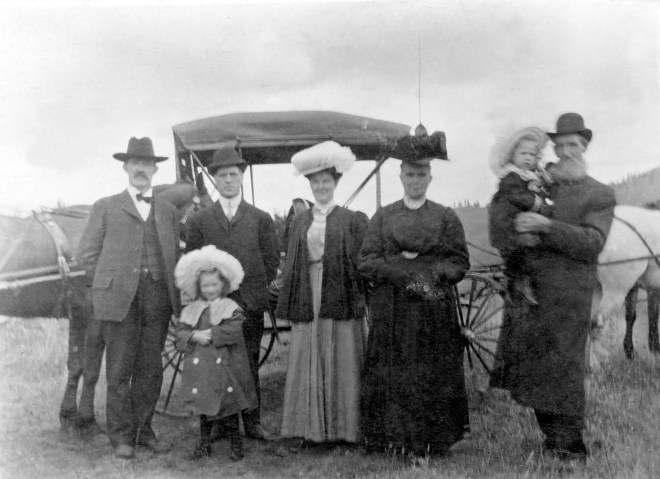 Francis Osborne and Mary Donaldson Hutton with unknown individuals