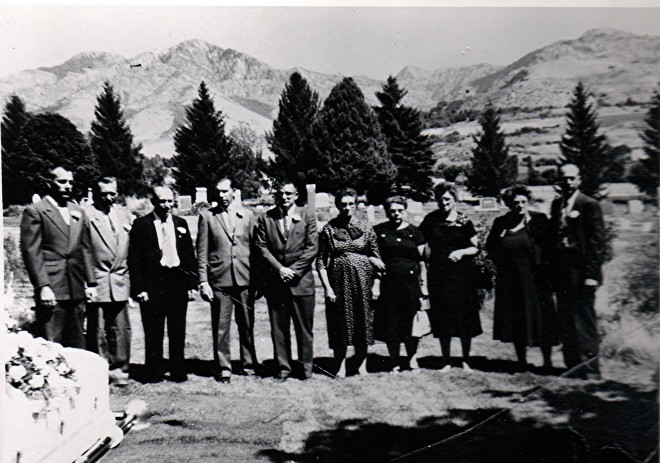 Art, Golden, Wilfred, Roland, Lloyd, Edna, Hannah, Carrie, Lillian, Ivan at their mother's grave 17 August 1961
