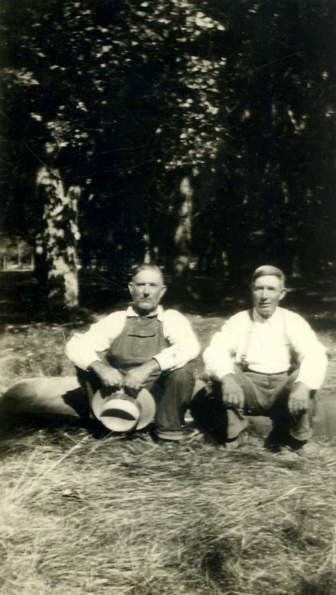 Enoch (L) and William Thomas (R) Ashcraft