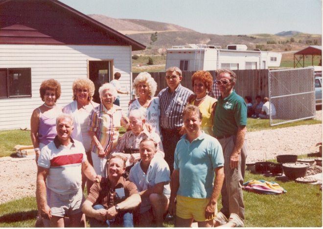1989 Reunion (b) June, Colleen, Mary, Sergene, William, Millie, Dale (f) Donald, Ross, Bill, Dale, Larry